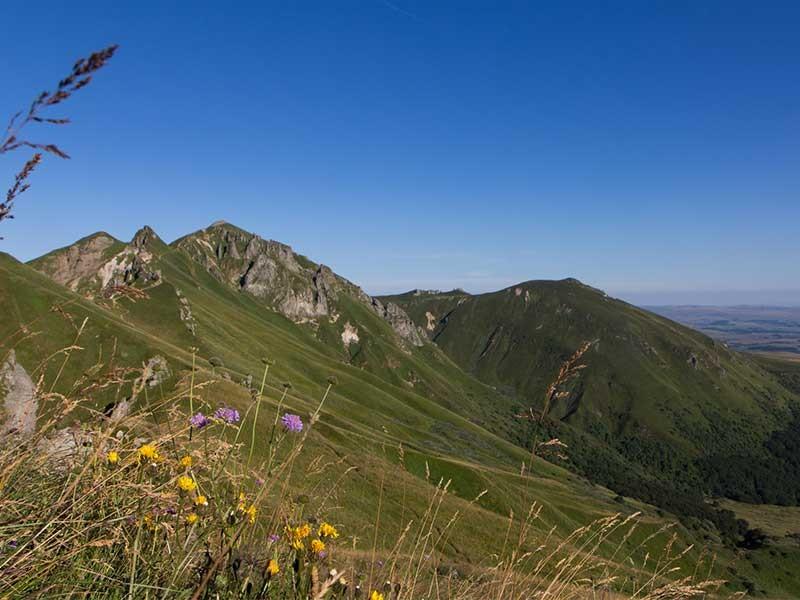 La route des volcans et Vulcania - Sancy ©OT Sancy