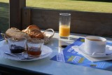 Camping Bel Air - Petit-Déjeuner sur la terrassse