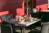 Hôtel Clermont Estaing - Petit déjeuner en terrasse