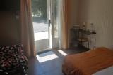 hotel-domaine-de-la-palle-chambre5-entree-1193