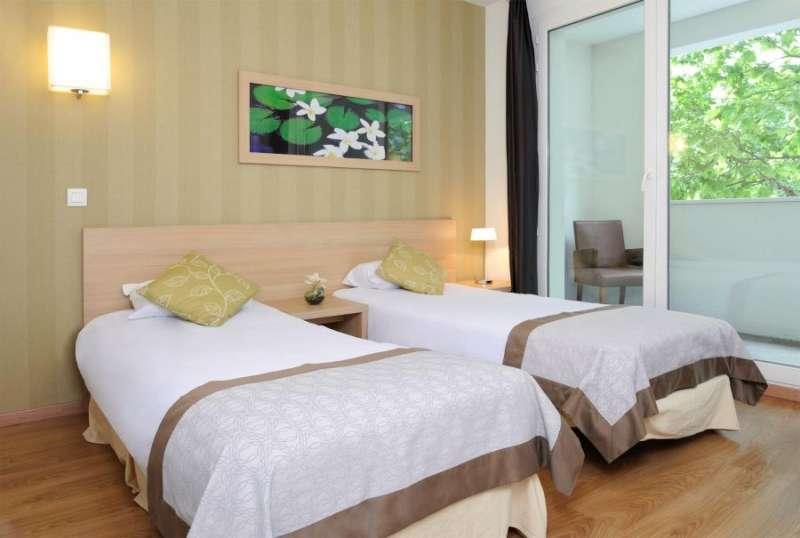 Apartments Hotel Residhome Gergovia - twin bedroom