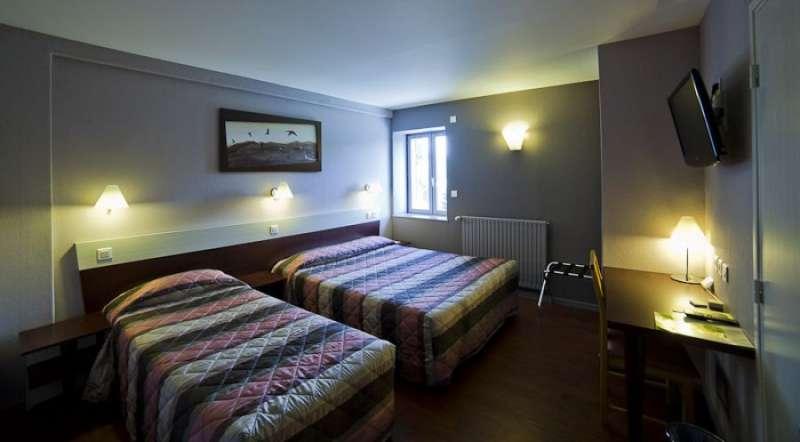 Hôtel Les Hirondelles - Chambre triple