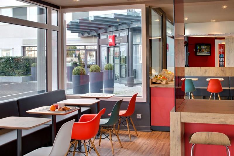 hotel-ibis-montferrand-salle-dejeuner-1098