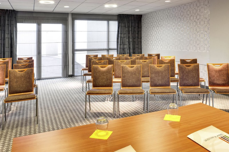 hotel-ibis-style-salle-de-seminaire-front-1117