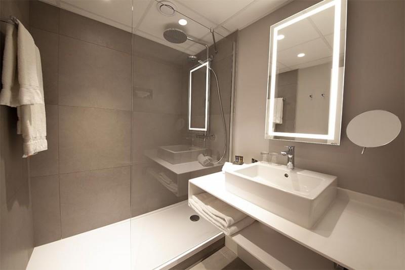 Hôtel Novotel - salle de bain